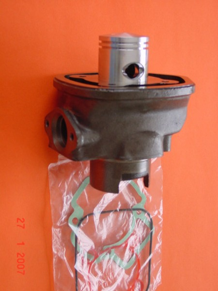 Zylinder mit Kolben Carb. Piaggiomotor ab 2003 SR50R
